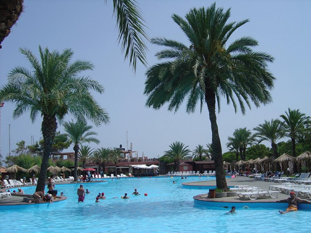 Piscina e spiaggia sicilia deluxe gruppo franza - Residence con piscina in sicilia ...