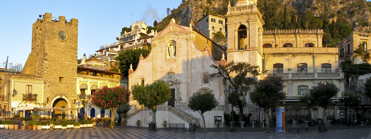 taormina-morning-pano